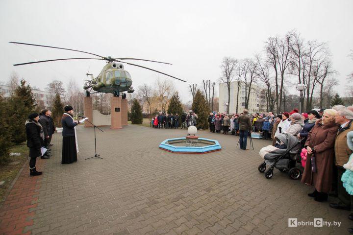 http://www.kobrincity.by/images/thumbnails/images/Novosti_Anton/afgan_30_let/afgan_20-fill-720x480.jpg