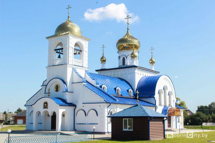 http://www.kobrincity.by/images/thumbnails/images/Novosti_Anton/cerkov/vvedenija_vo_hram/cerkov_kobrin_002-fill-730x487.JPG
